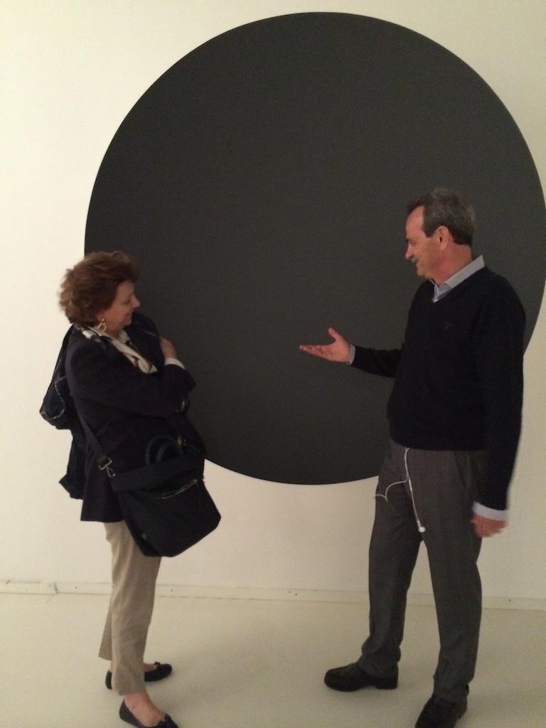 Gabriella Belli, Direttore della Fondazione MUVE, con Armando Pintus presso il Museo Fortuny